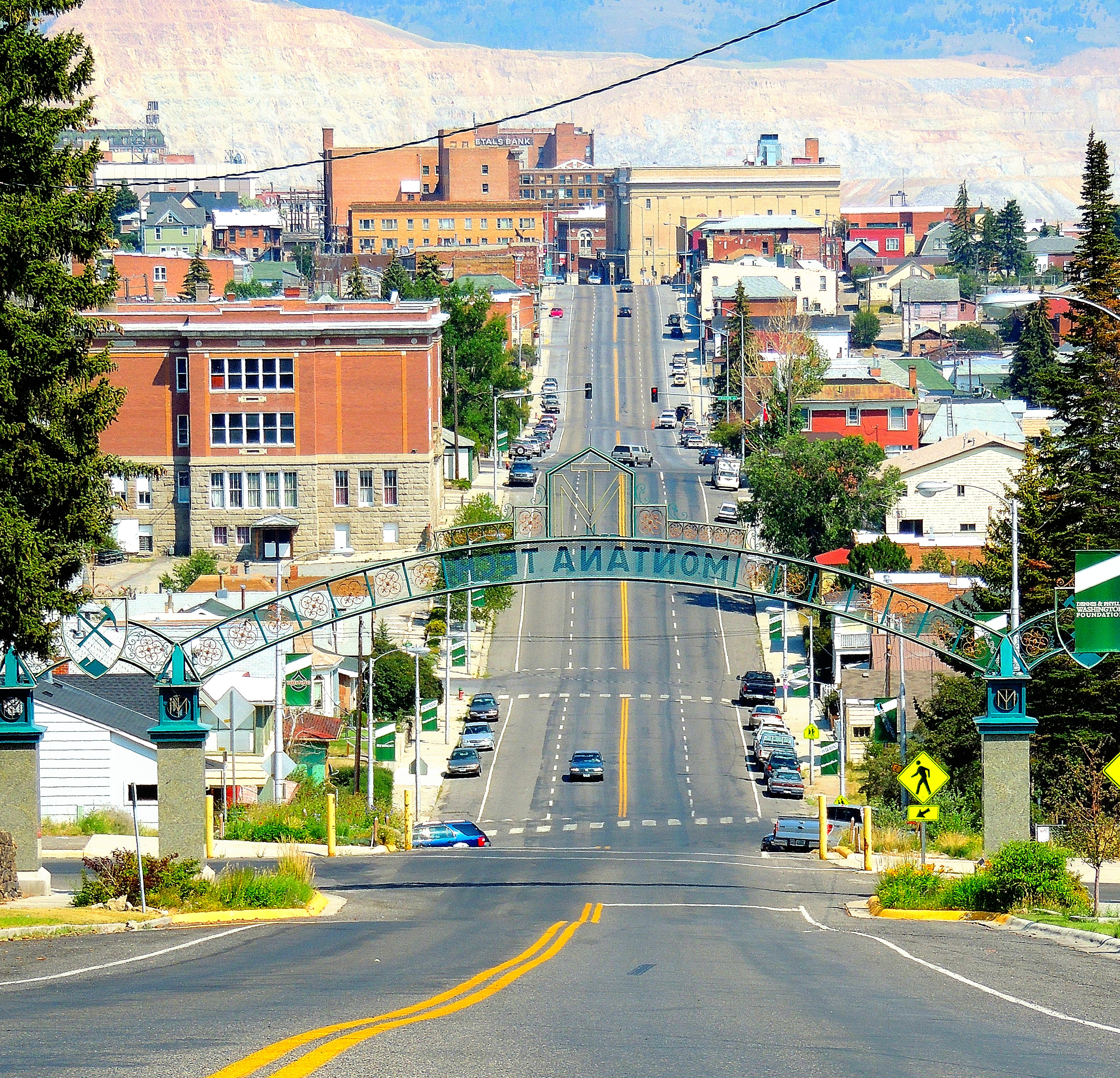 Image of Butte, Montana credited to Tracy from Calgary, Alberta [CC BY (https://creativecommons.org/licenses/by/2.0)]