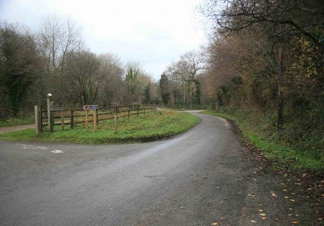 Camel Trail carpark - geograph.org.uk - 1626769
