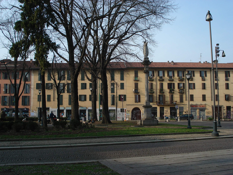 File dsc02626 milano sant 39 eustorgio la case for Piazza sant eustorgio