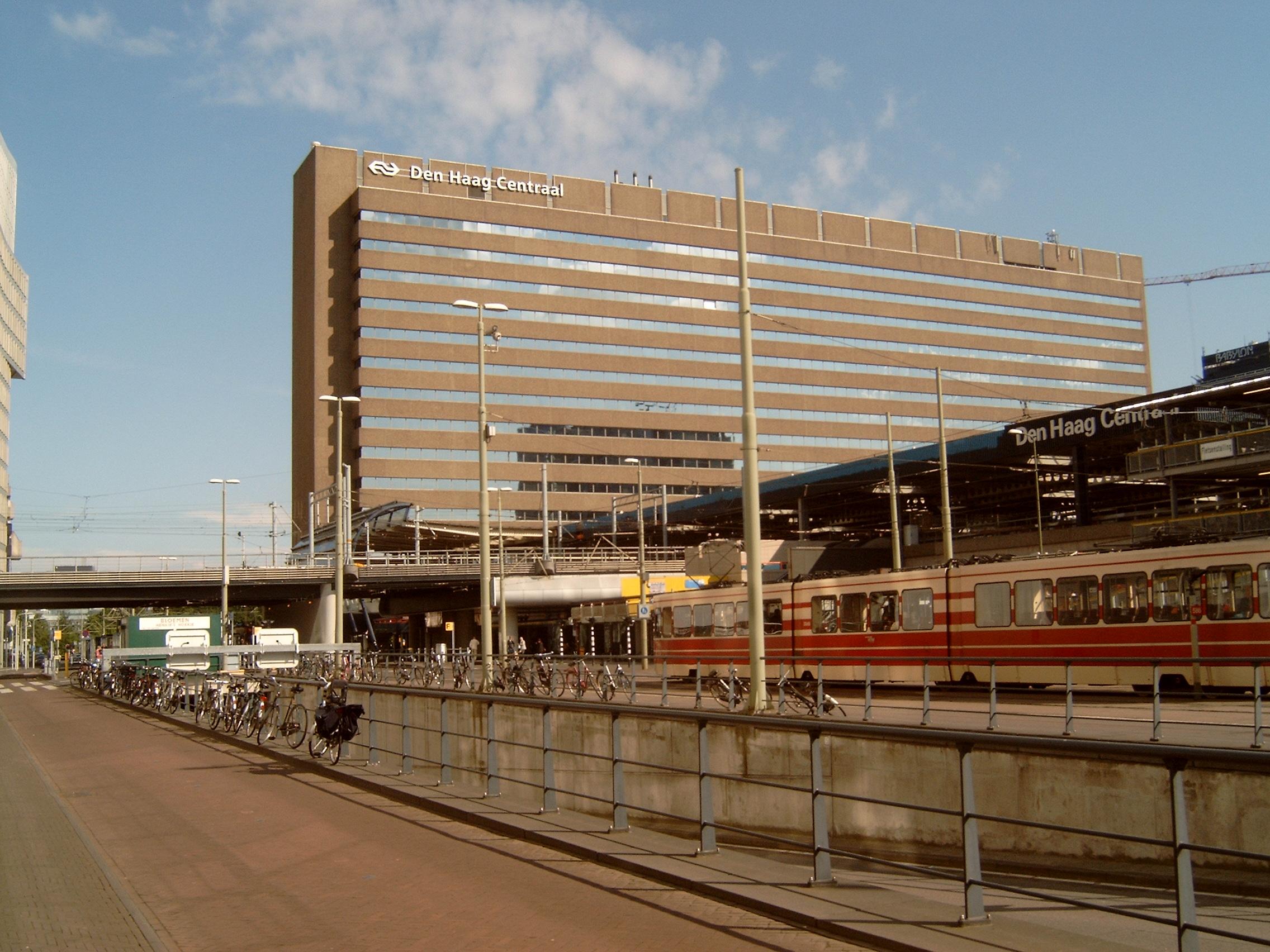 File Den Haag Centraal Station Achterkant Foto2 2009 05