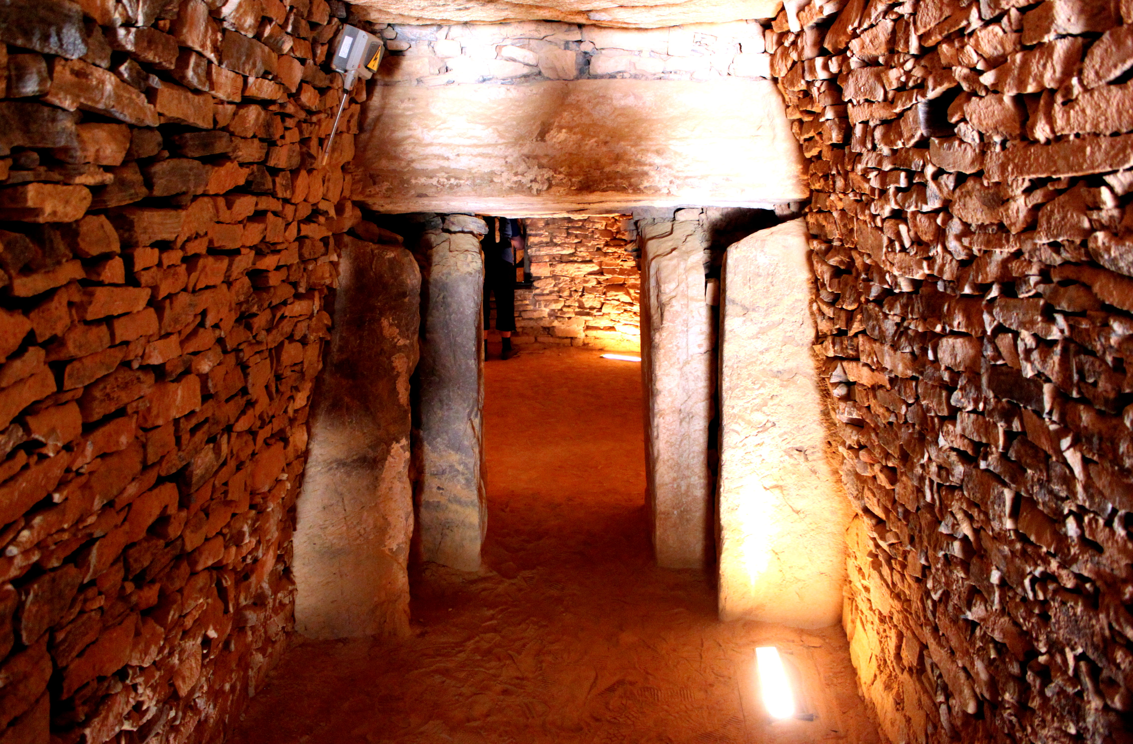 Archivo:Dolmen Cueva del Romeral Antequera Málaga 3.JPG ...