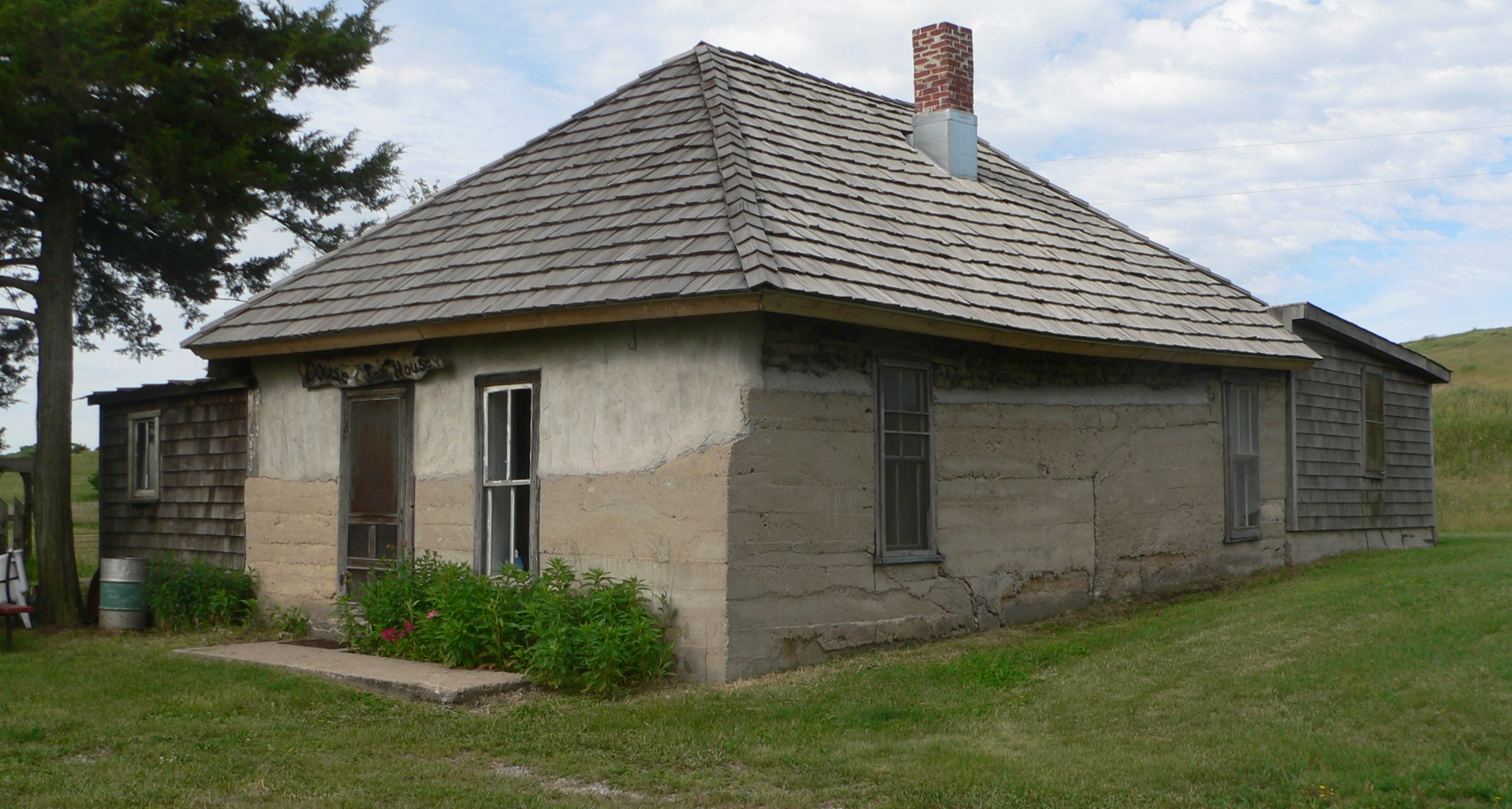 File dowse sod house from ne 4 jpg wikimedia commons for Nebraska home builders
