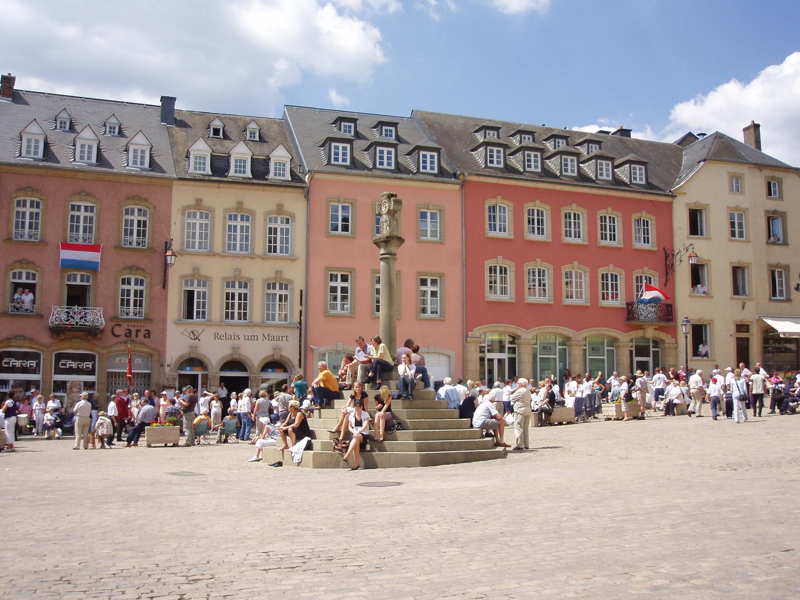 Restaurant Darmstadt Innenstadt : file echternach innenstadt wikimedia commons ~ Watch28wear.com Haus und Dekorationen