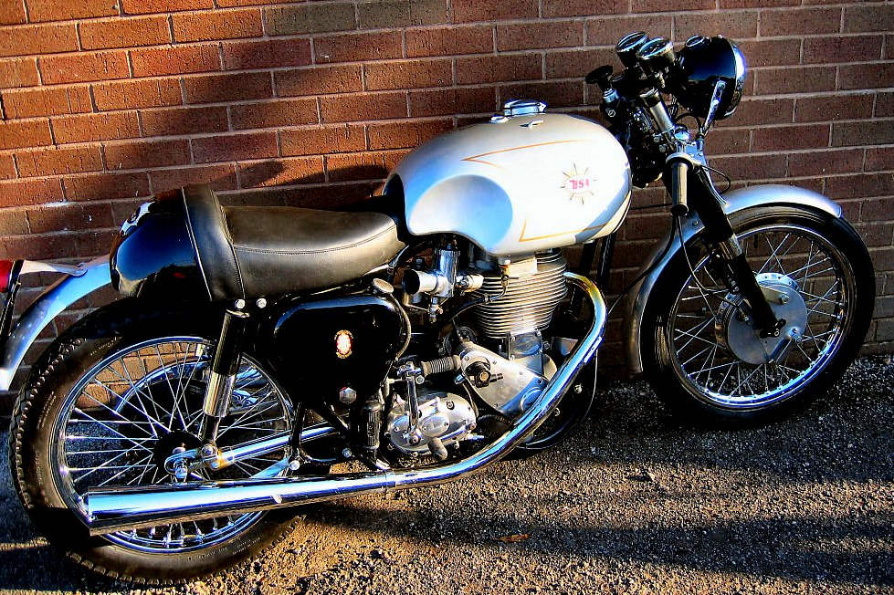 flickr - ronsaunders47 - bsa goldstar 500.british classic..jpg