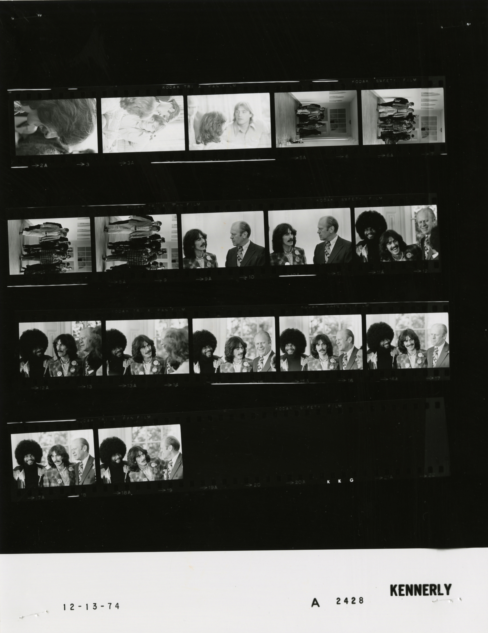 File:Ford A2428 NLGRF photo contact sheet (1974-12-13)(Gerald Ford