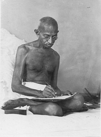 About Mahatma Gandhi Speech in Hindi