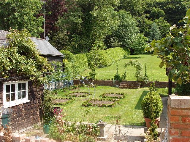 Pleasant View Gardens Apartments