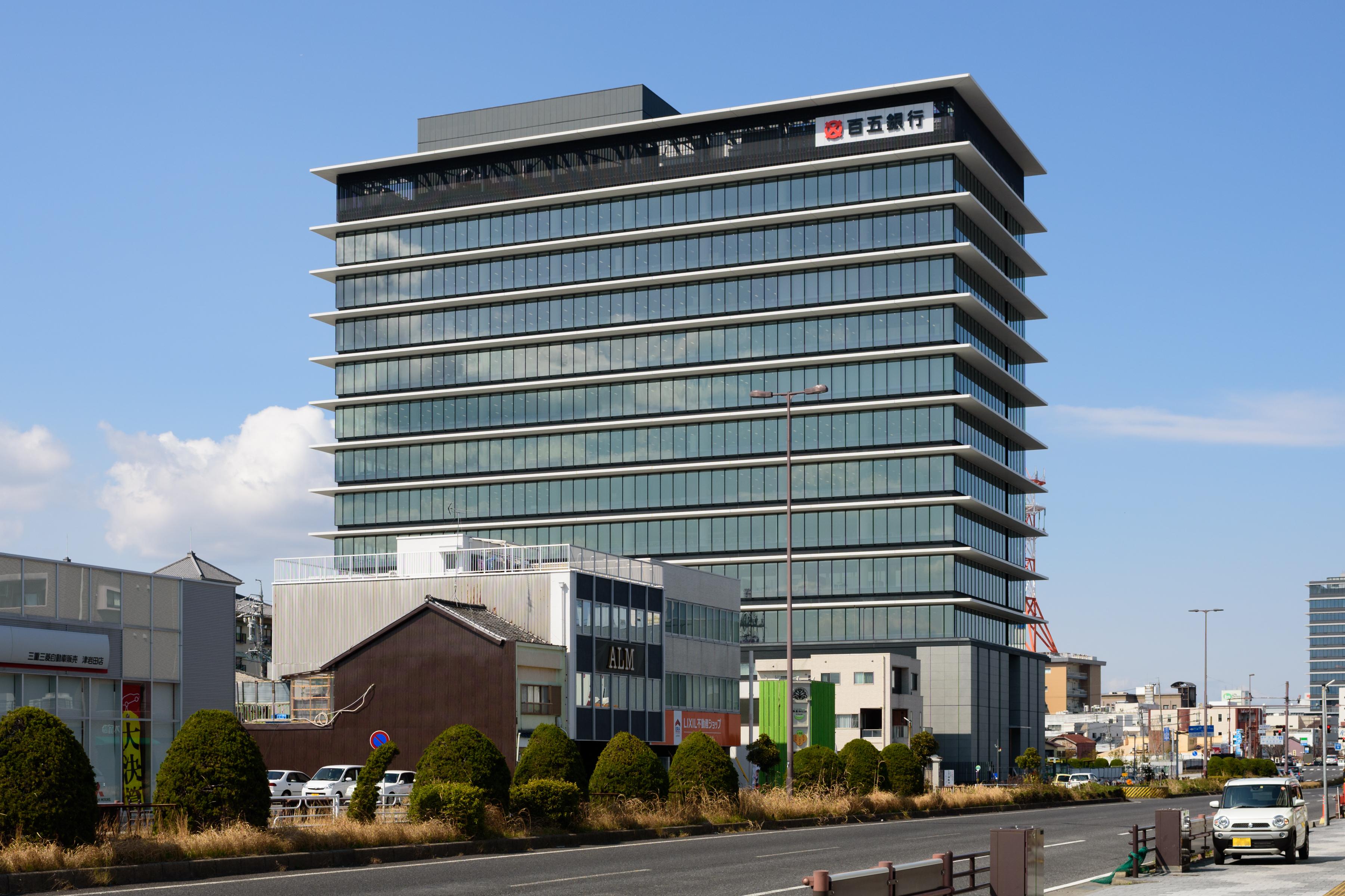 トラスティ 銀行 信託 日本 株式 会社 サービス