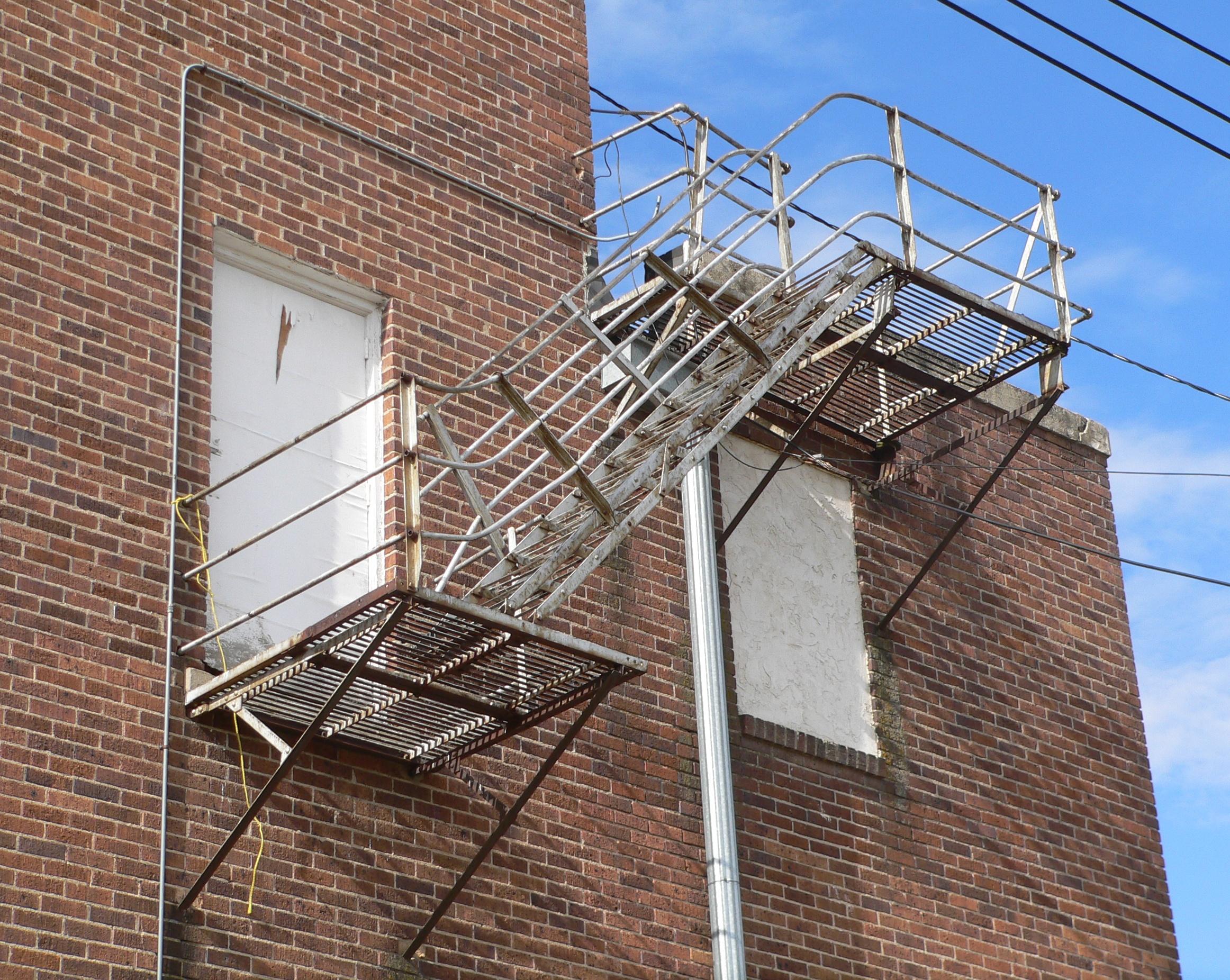File:Hartington Auditorium E Side Exterior Stairs.JPG