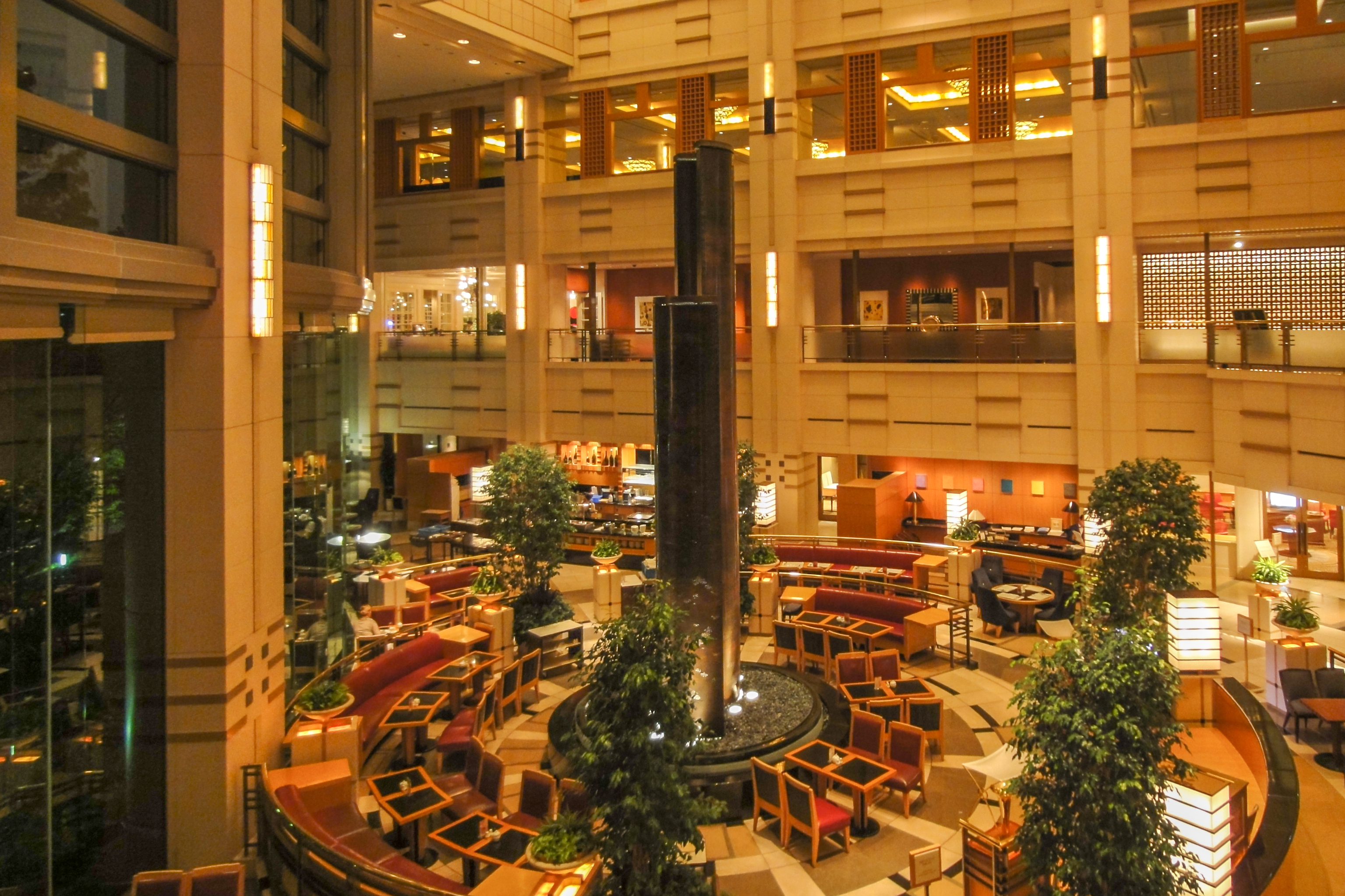 Hotels with atriums for Best boutique hotels osaka