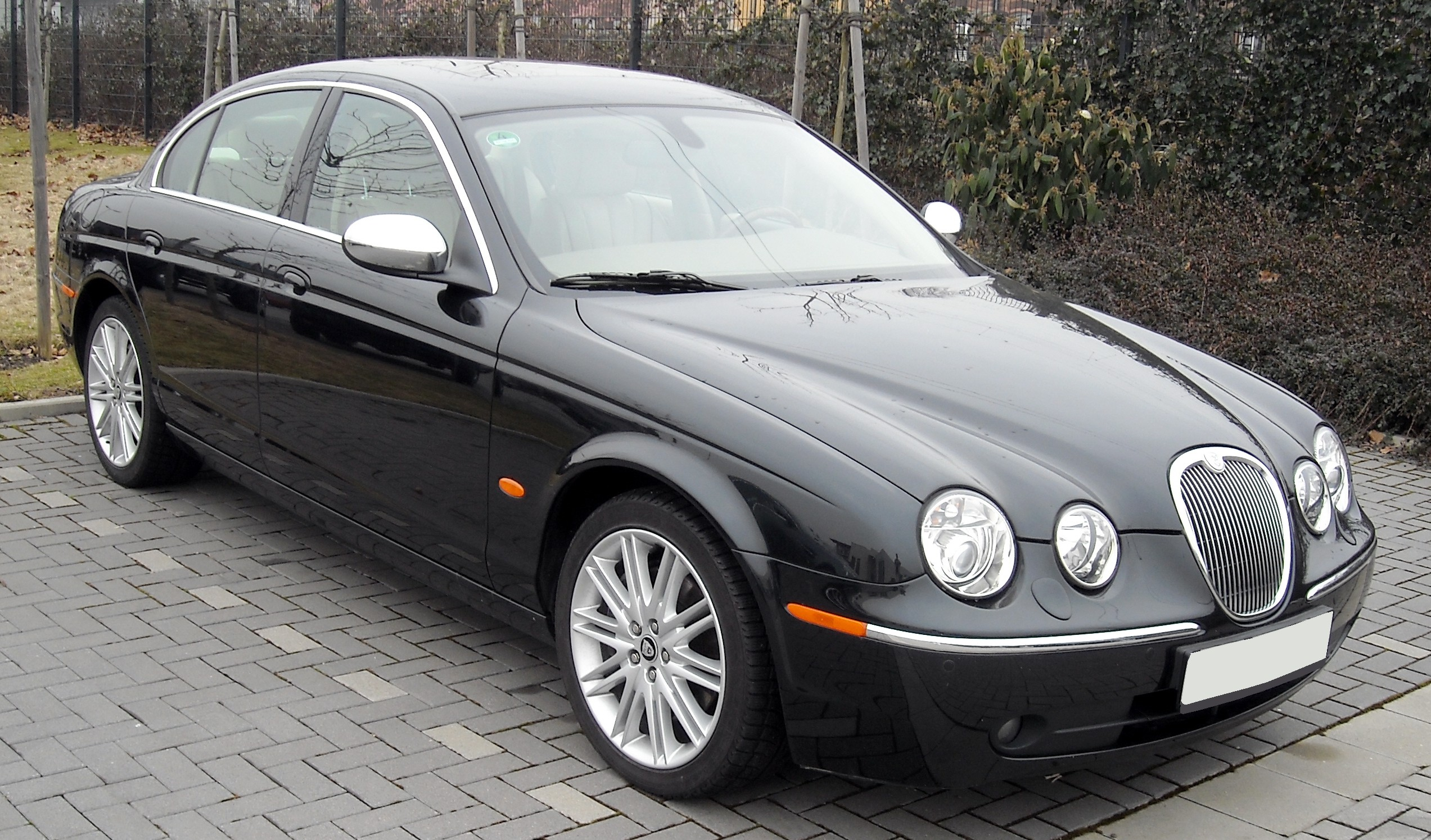File:Jaguar S Type Front 20090128