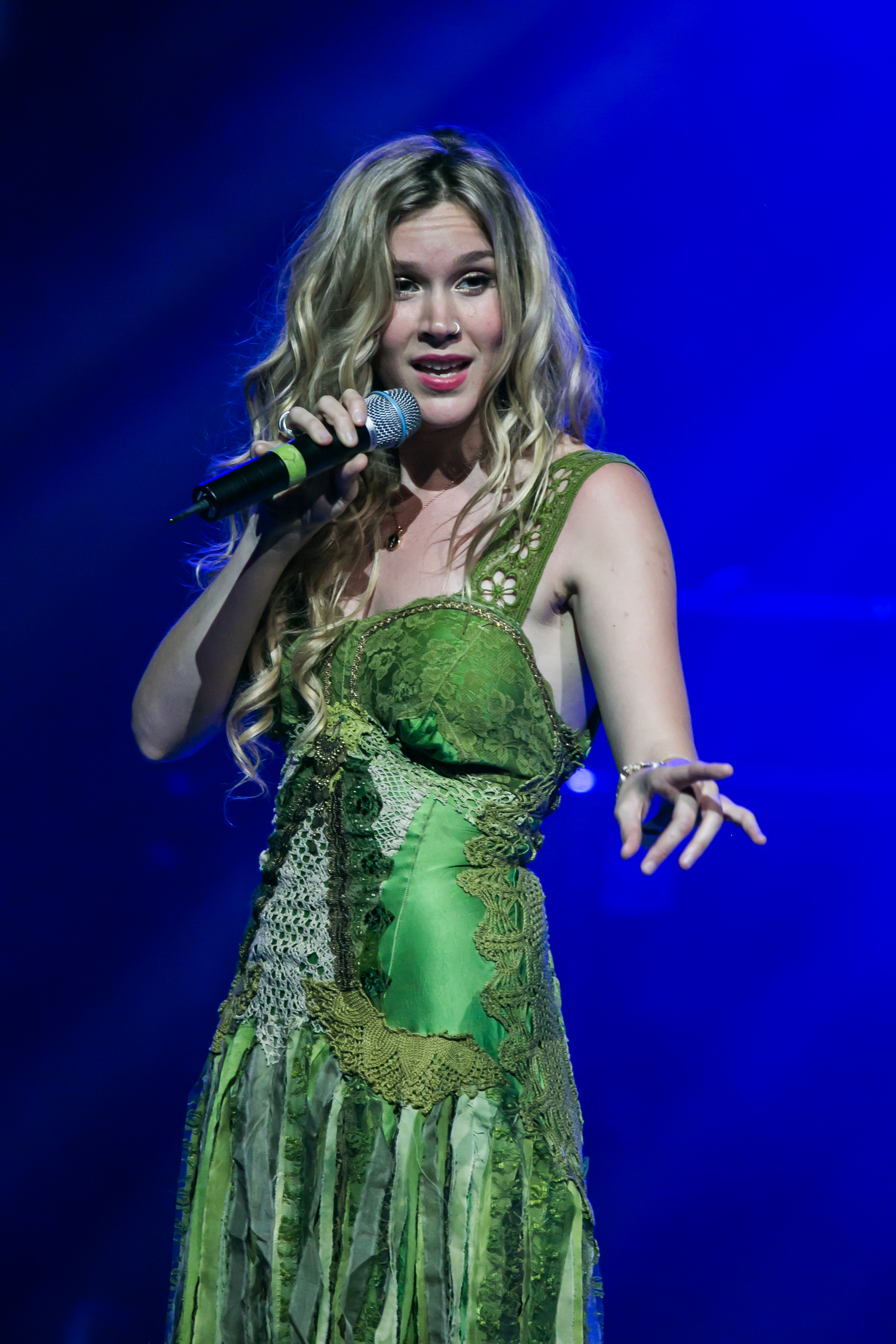 The 34-year old daughter of father Richard Stoker and mother Wendy Stoker Joss Stone in 2021 photo. Joss Stone earned a  million dollar salary - leaving the net worth at  million in 2021