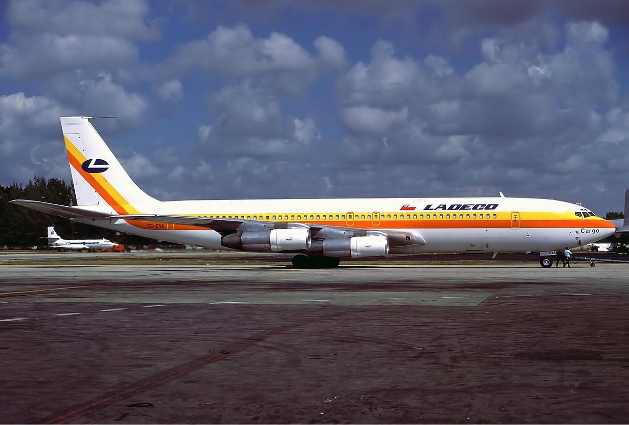File Ladeco Cargo Boeing 707 300c Wikimedia