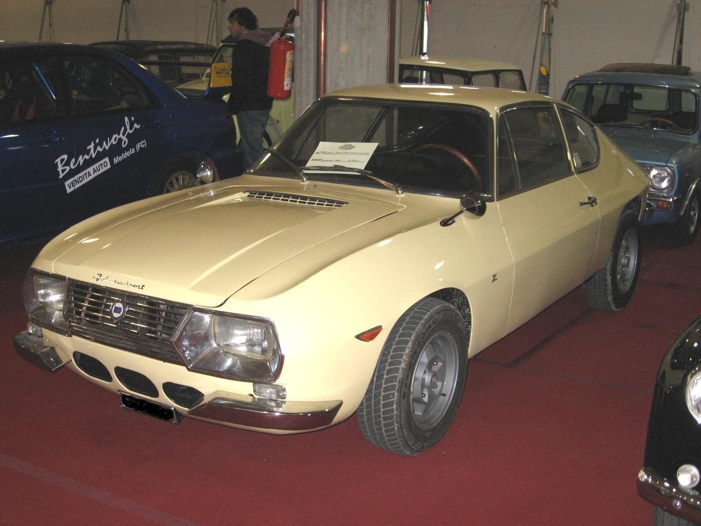 https://upload.wikimedia.org/wikipedia/commons/a/af/Lancia_Fulvia-Sport-Zagato.JPG