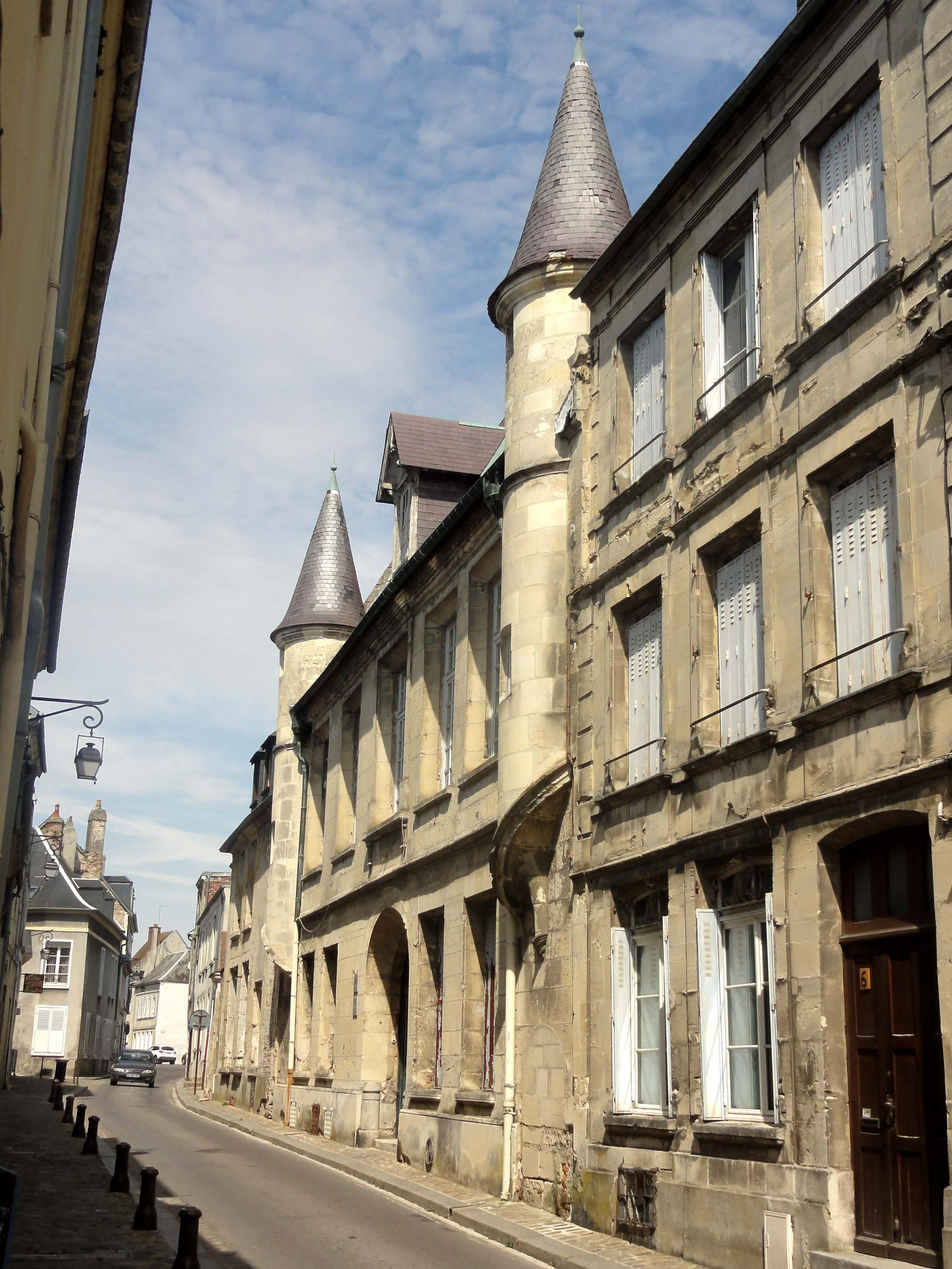 File:Laon (02), hôtel du Petit-Nicolas, 8 rue du 13 Octobre ...