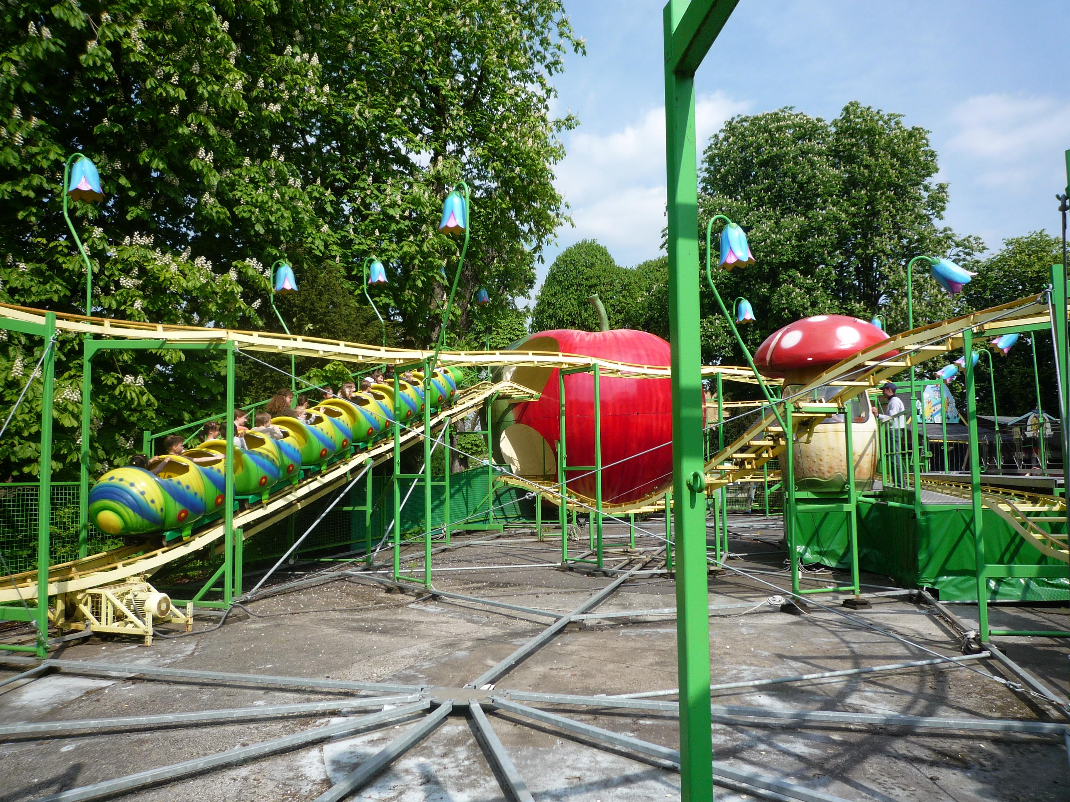 File lille les poussins parc de la citadelle 05 jpg for Au dela du miroir lille