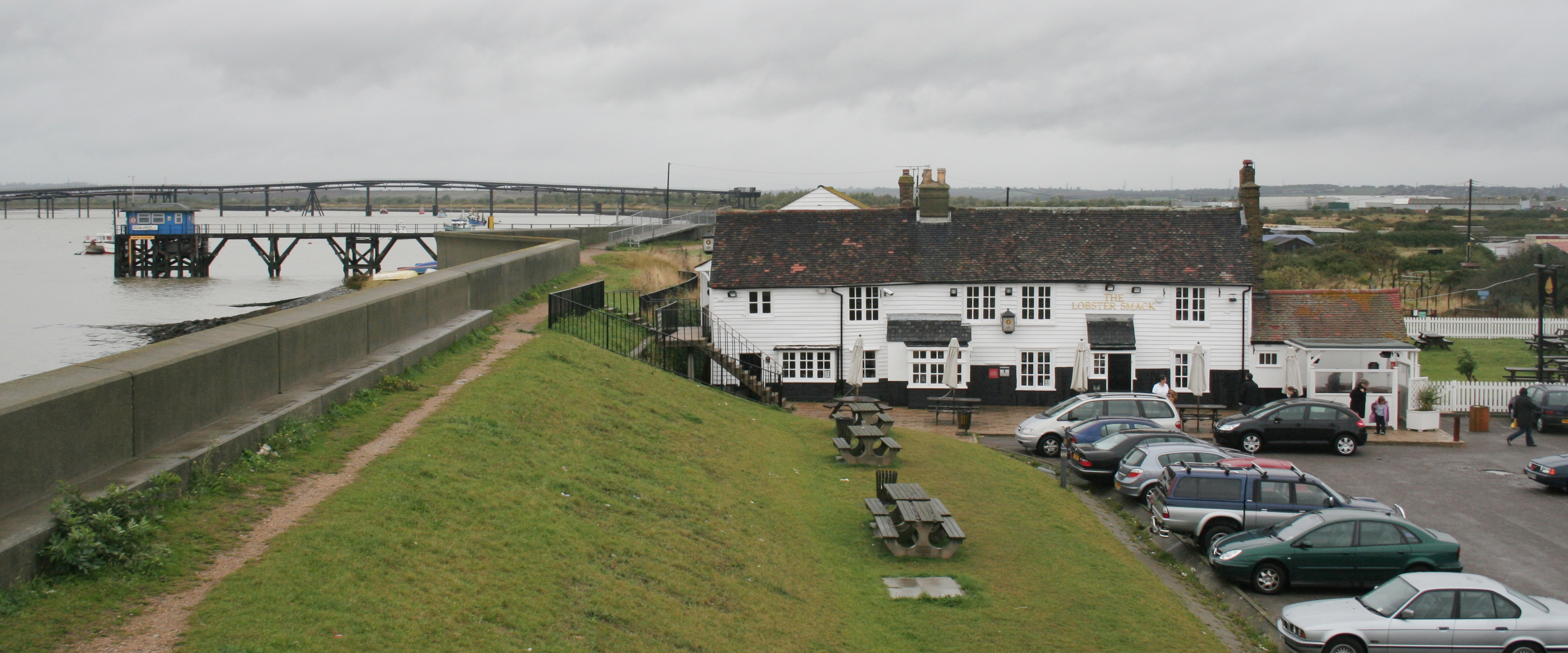 File:Lobster Smack Public House, Canvey Island.jpg - Wikimedia Commons