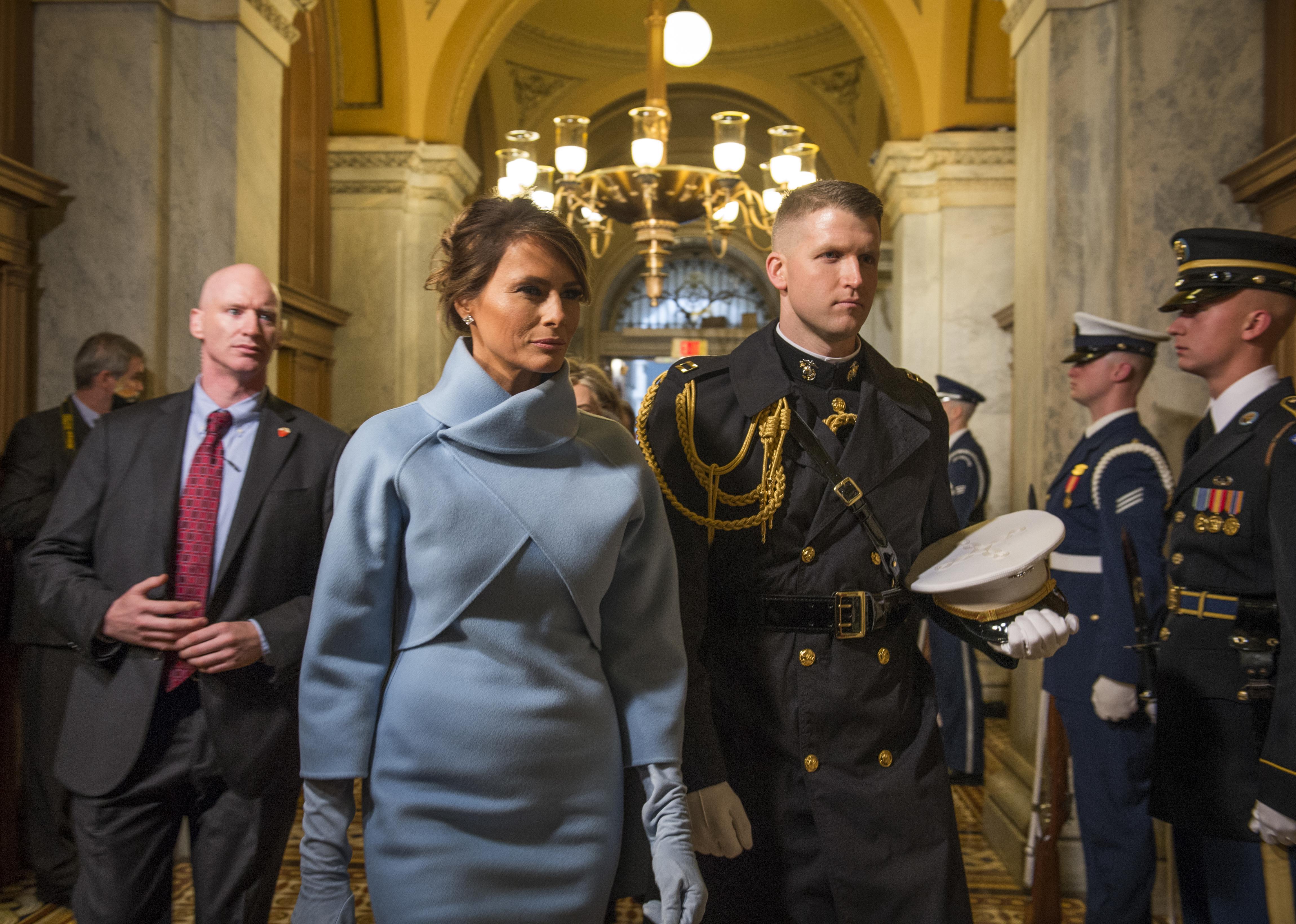wiki filemelania trump escorted marine january