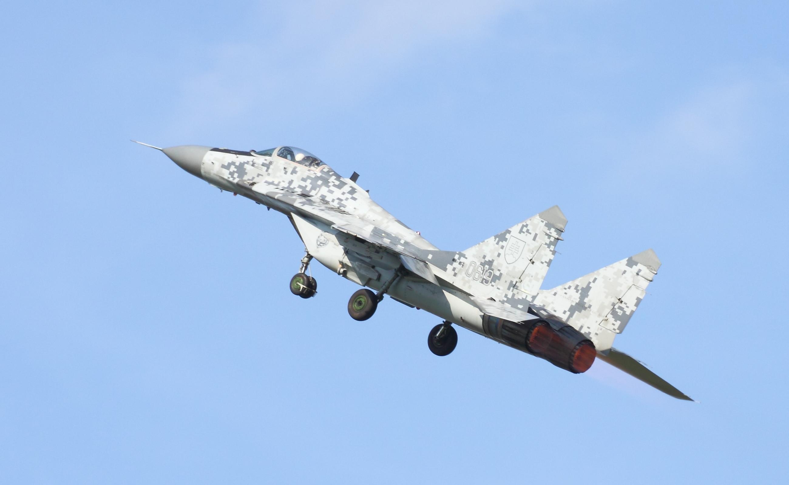 File:MiG-29 2608.JPG