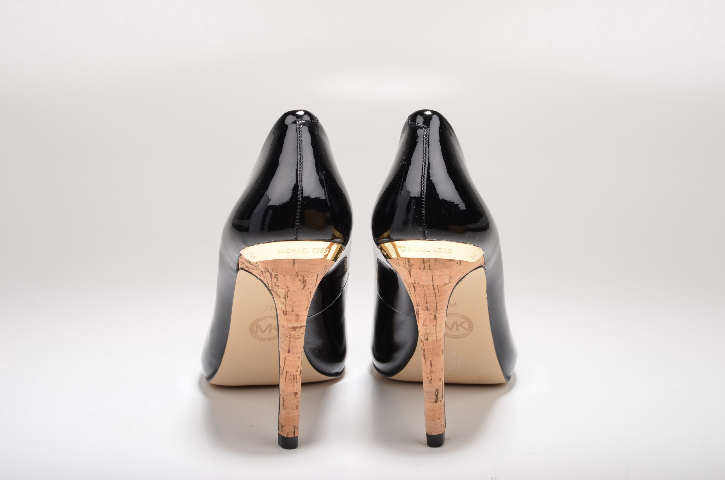 File:Michael Kors Keegan Pump Peep Toe High Heel mit