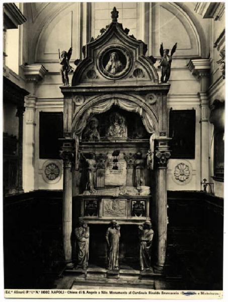 Chapelle Brancaccio de l'église Sant'Angelo a Nilo à Naples.