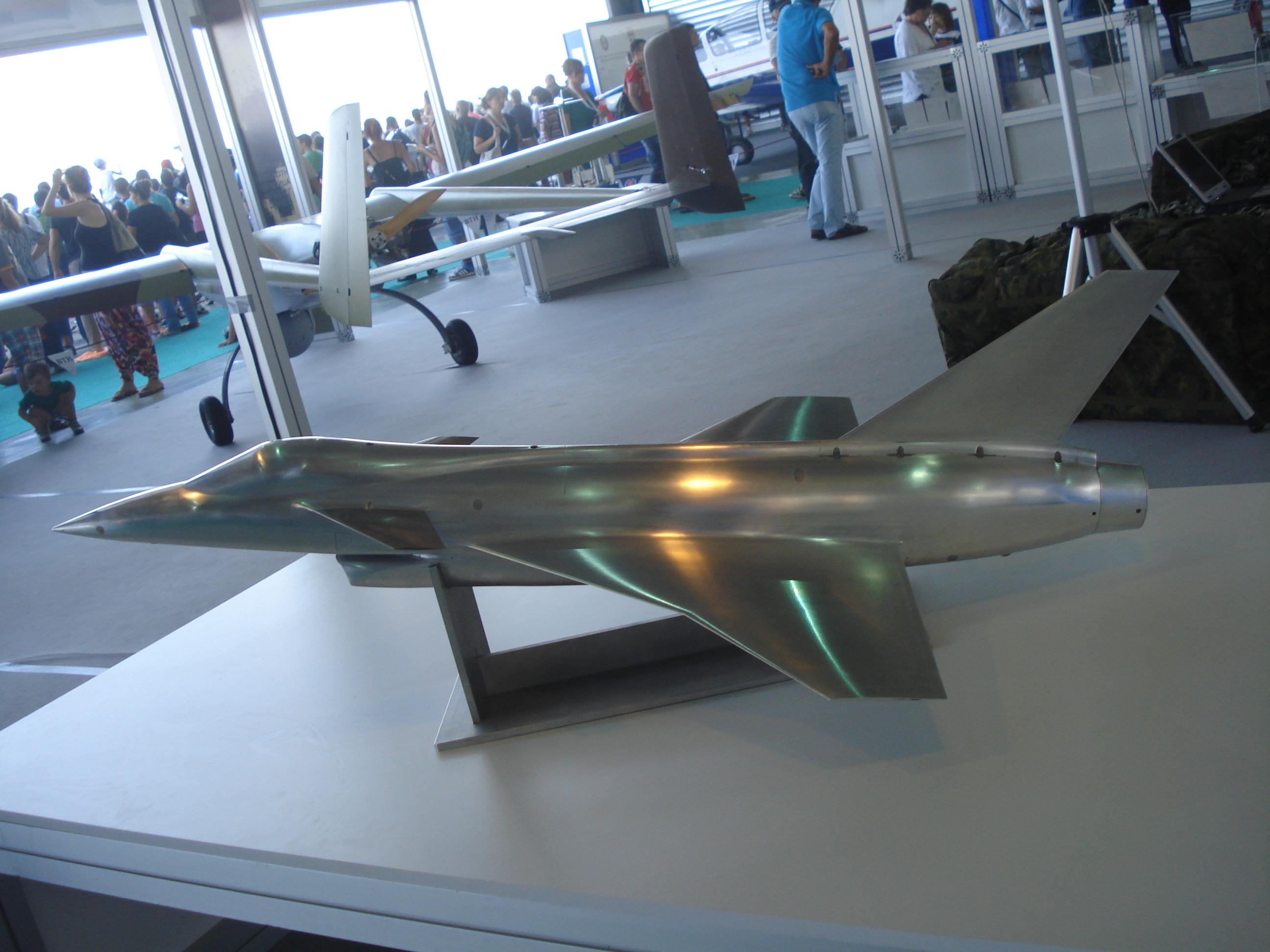Novi_avion_YU.JPG
