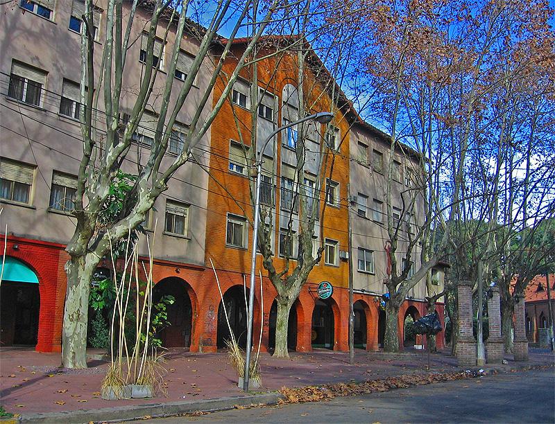 Ciudad jard n lomas del palomar wikiviajes for Alquileres en ciudad jardin el palomar