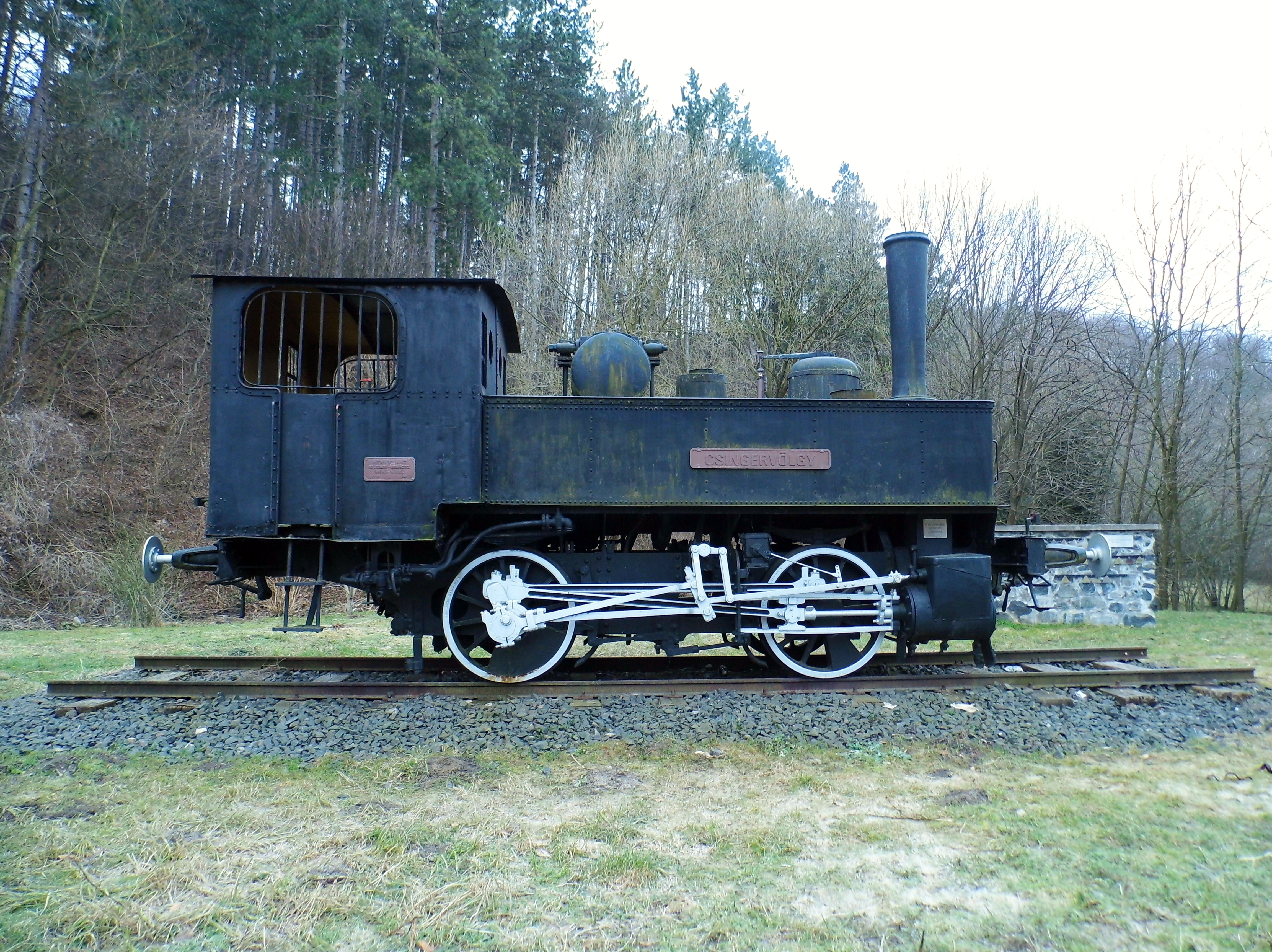 Steam locomotive Csingervölgy in Csingervögy, Ajka.JPG