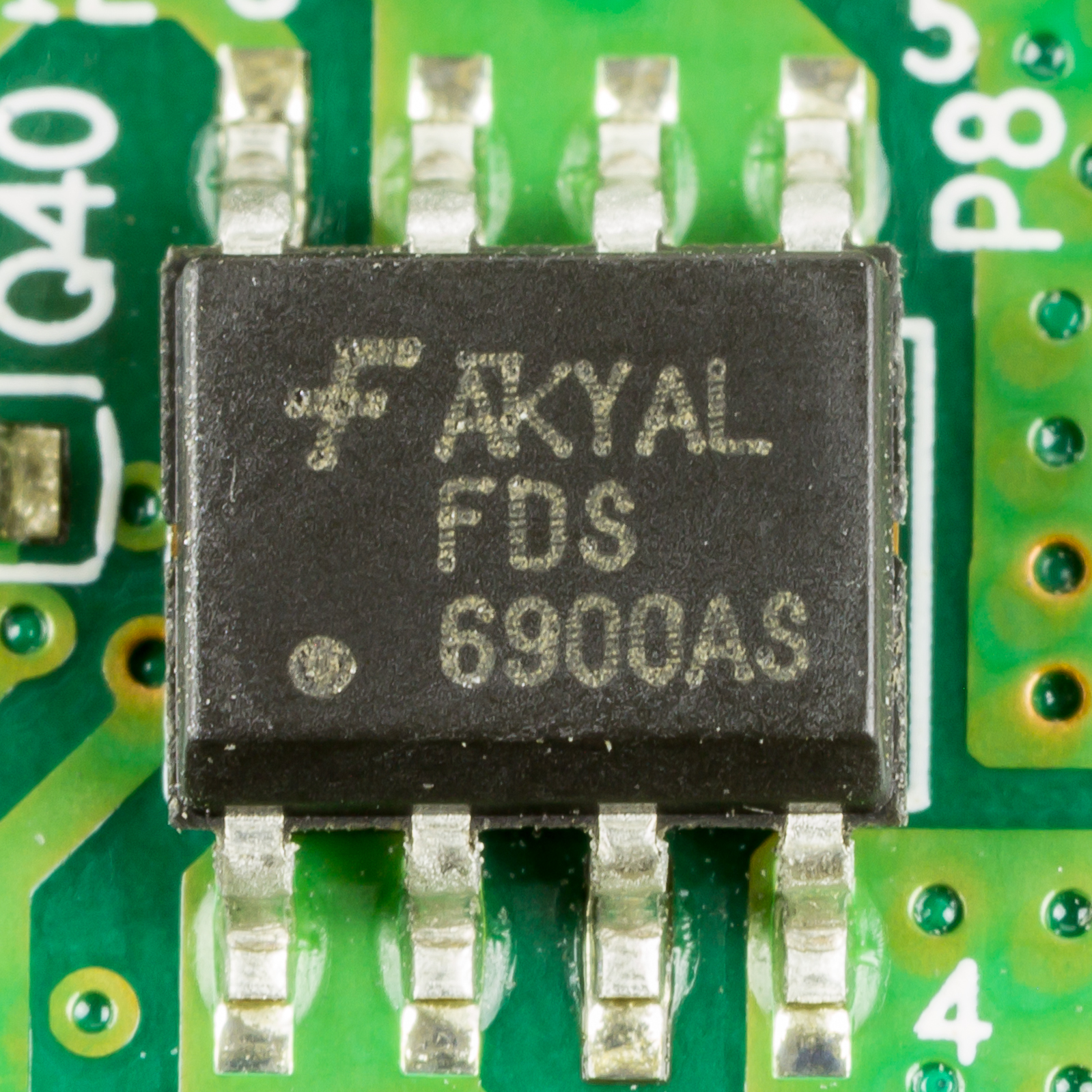 File:Terra Pad 1050 - Fairchild FDS6900AS on mainboard-0637