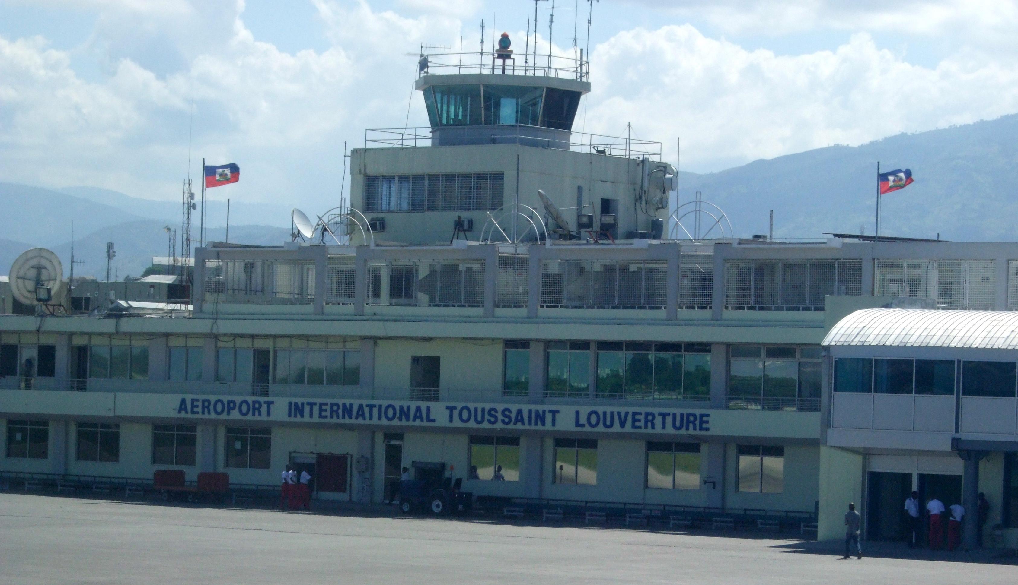 Resultado de la imagen para el Aeropuerto Internacional Toussaint Louverture