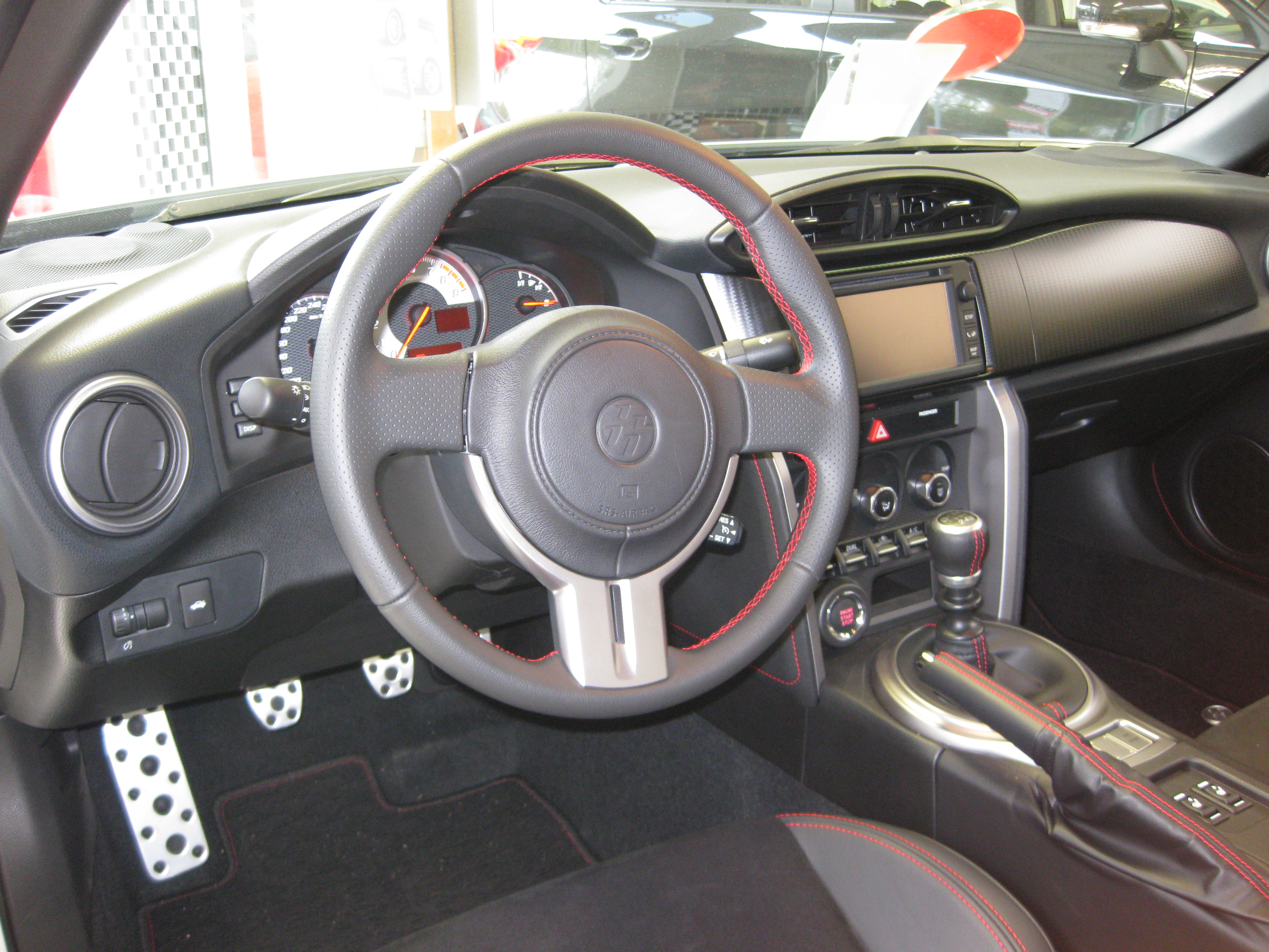File:Toyota GT86 Cockpit.JPG - Wikimedia Commons | {Auto cockpit beschreibung 27}