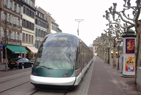 Tramway Strasbourg Broglie.jpg