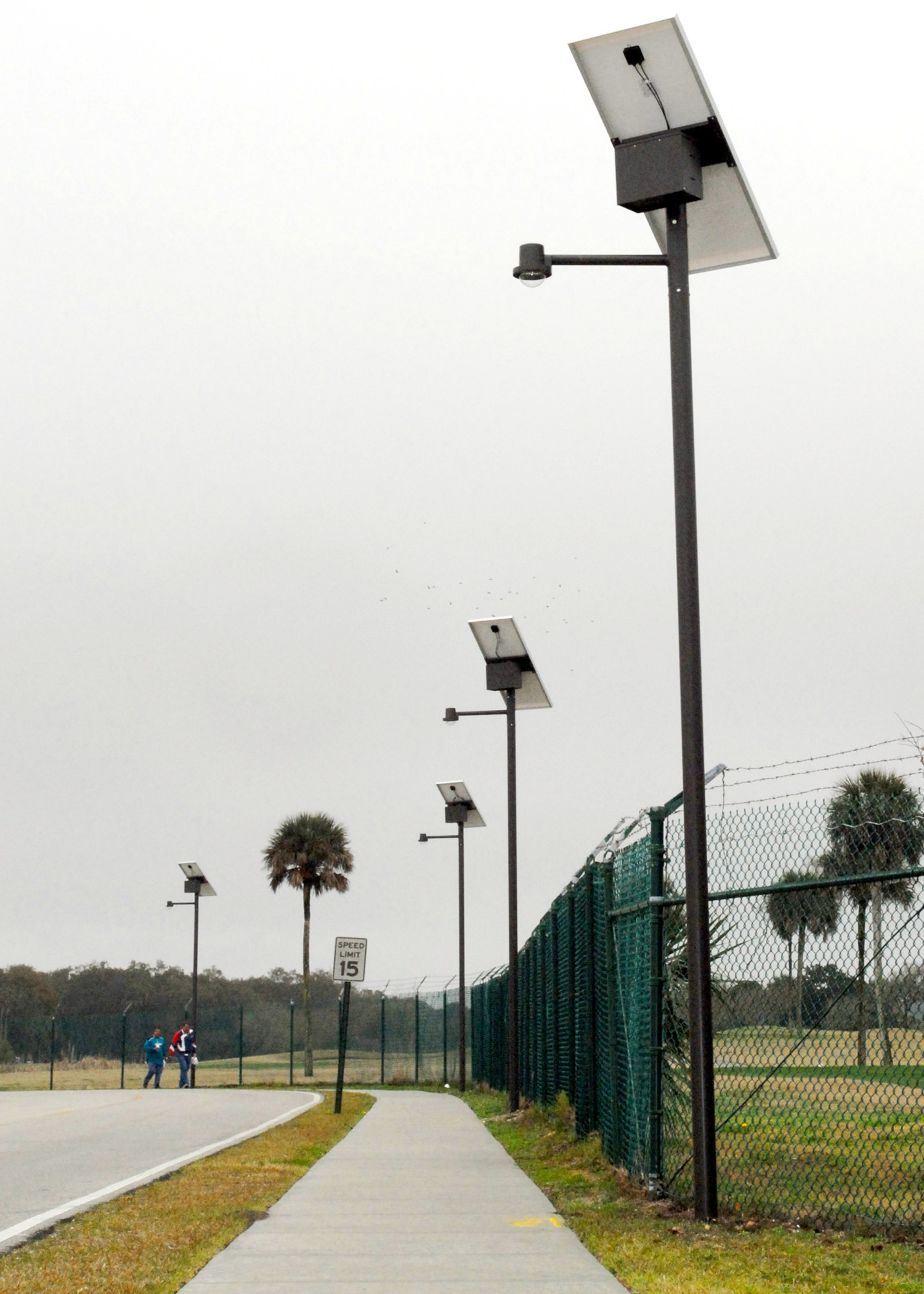 File Us Navy 100312 N 5812w 001 Newly Installed Solar Led