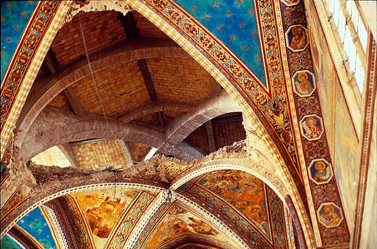 Храм получил всемирную известность благодаря знаменитым фрескам XIII века