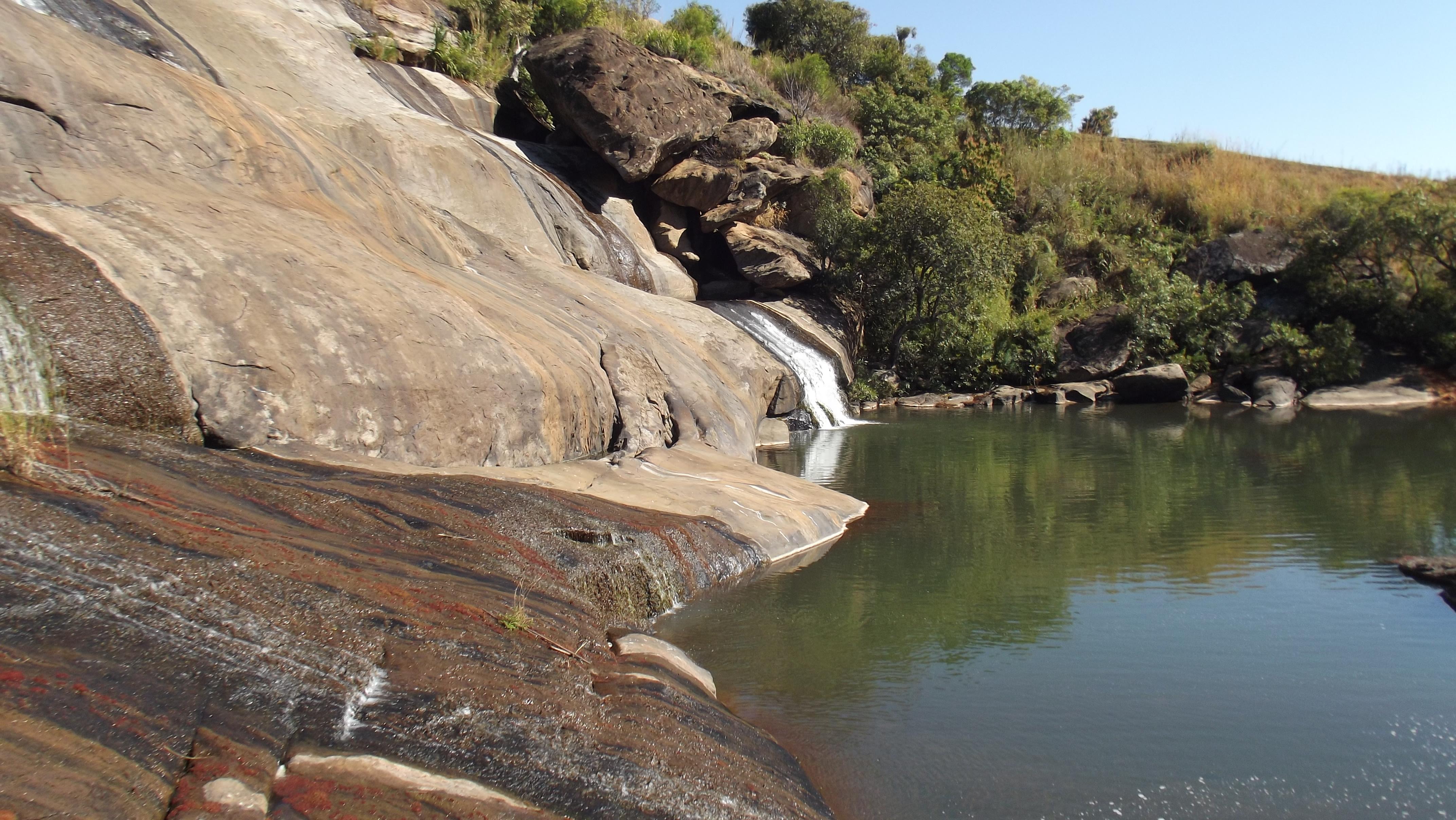 Waterpool_in_Andringitra_I.jpg