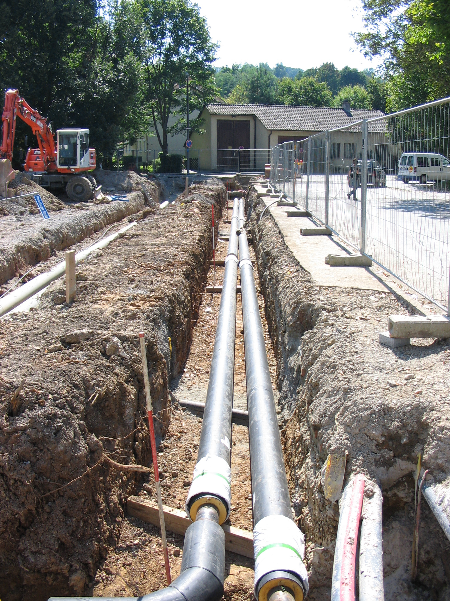 File:2005-08-30-district-heating-pipeline.jpg - Wikipedia, the ...