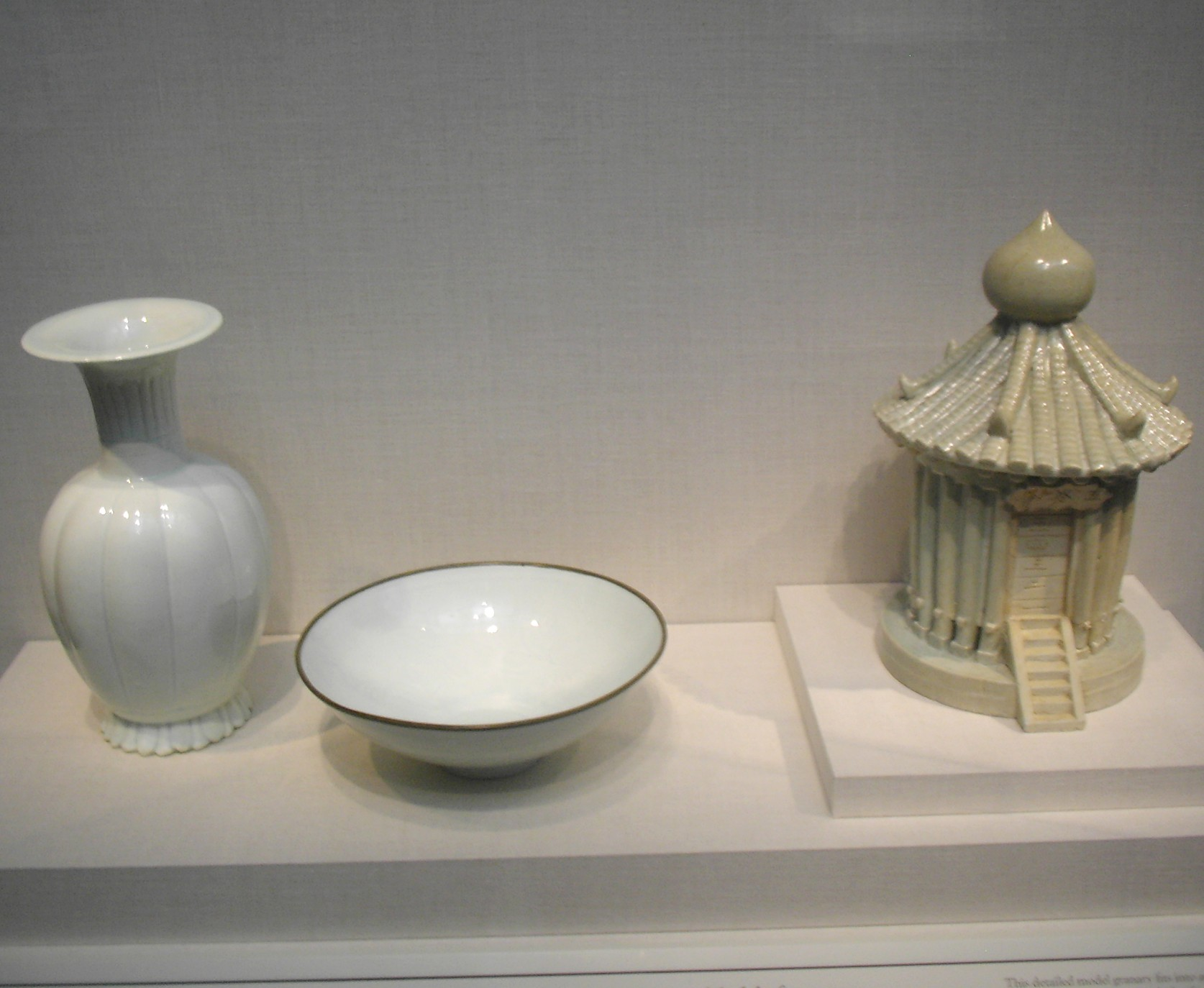 external image 20080918094223!Song_Dynasty_Porcelain.jpg