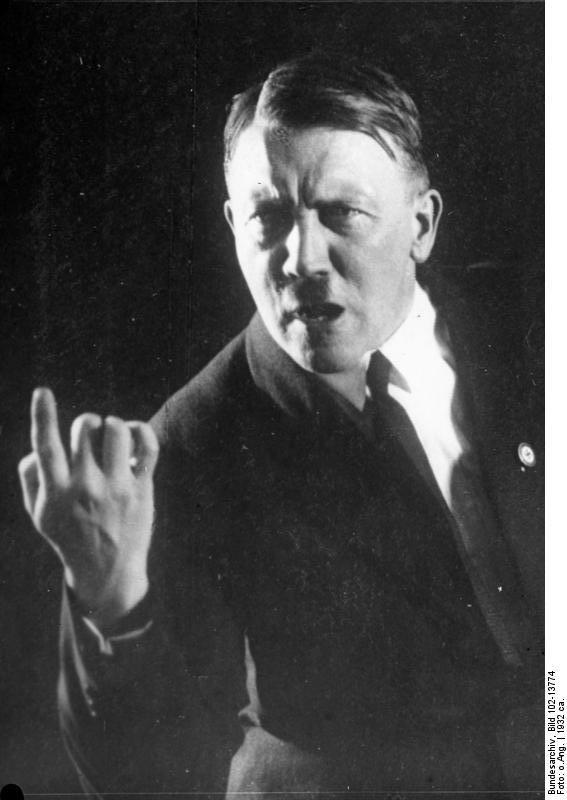 20091006085843!Bundesarchiv_Bild_102-13774,_Adolf_Hitler.jpg