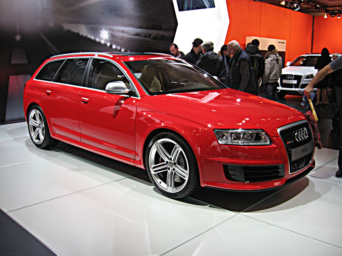 Drool inducing.. 20080413181550!Audi_RS6-Avant_Front-view