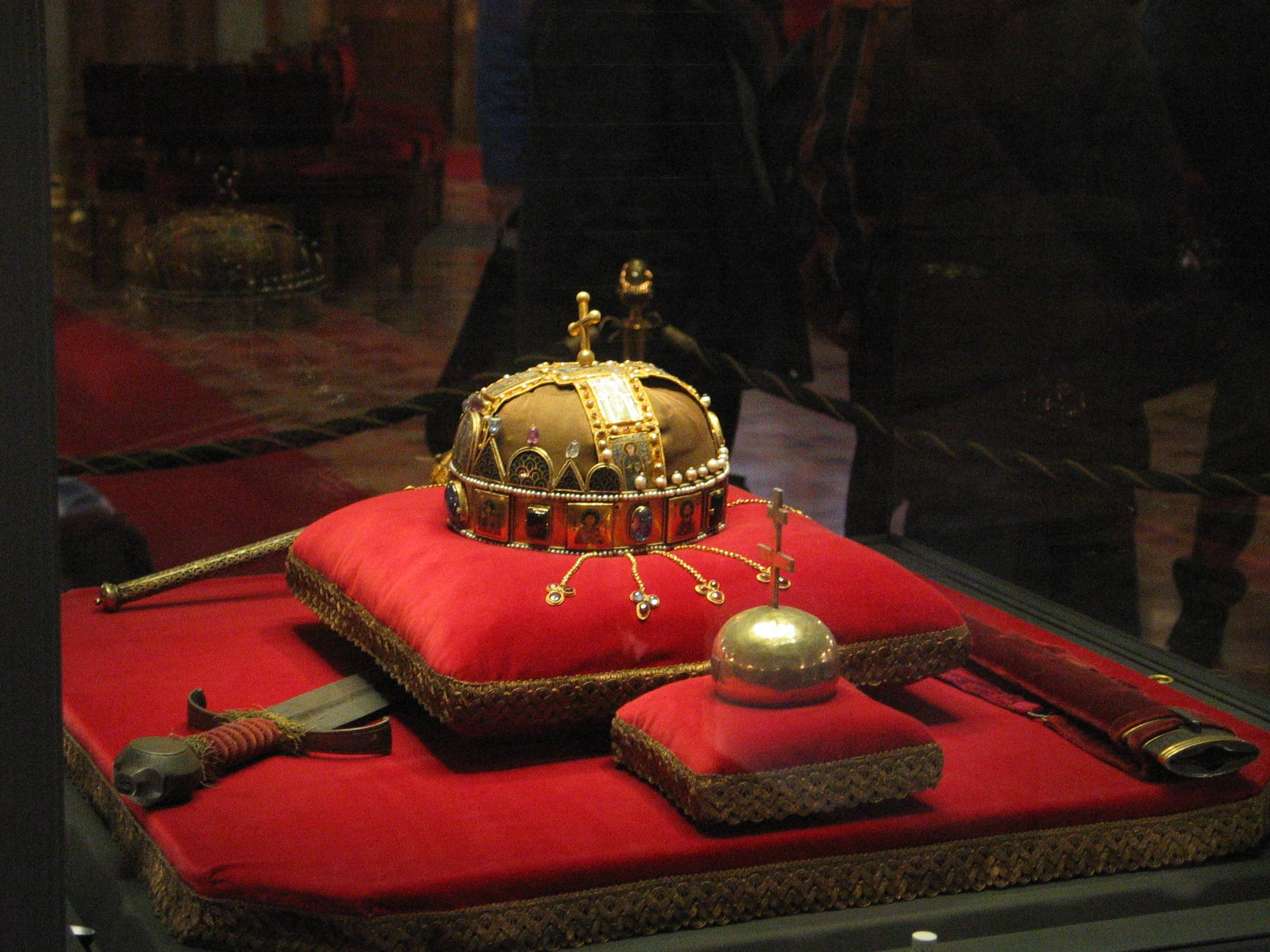 File:Crown, Sword a