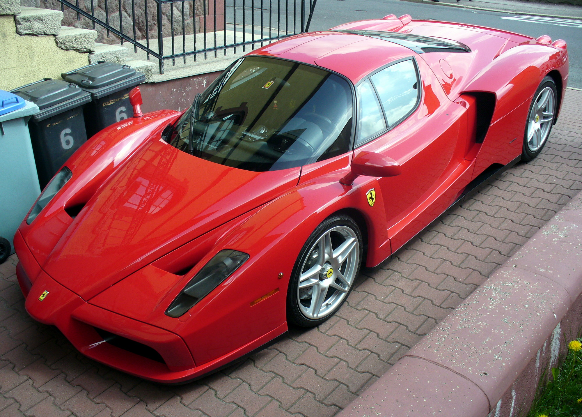 Ferrari Jpg