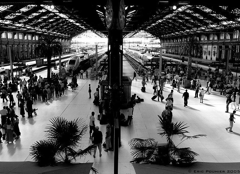 La poésie la plus difficile du monde dans Zarbi 20090514131402!Interieur_gare_de_Lyon