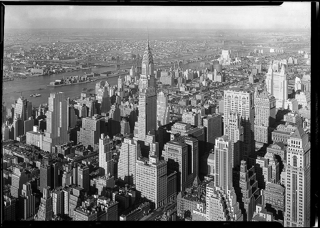 File:Chrysler Building Midtown Manhattan New York City 1932.jpg - Wikipedia,