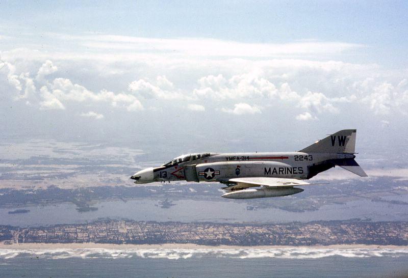 F-4 Phantom II - 01