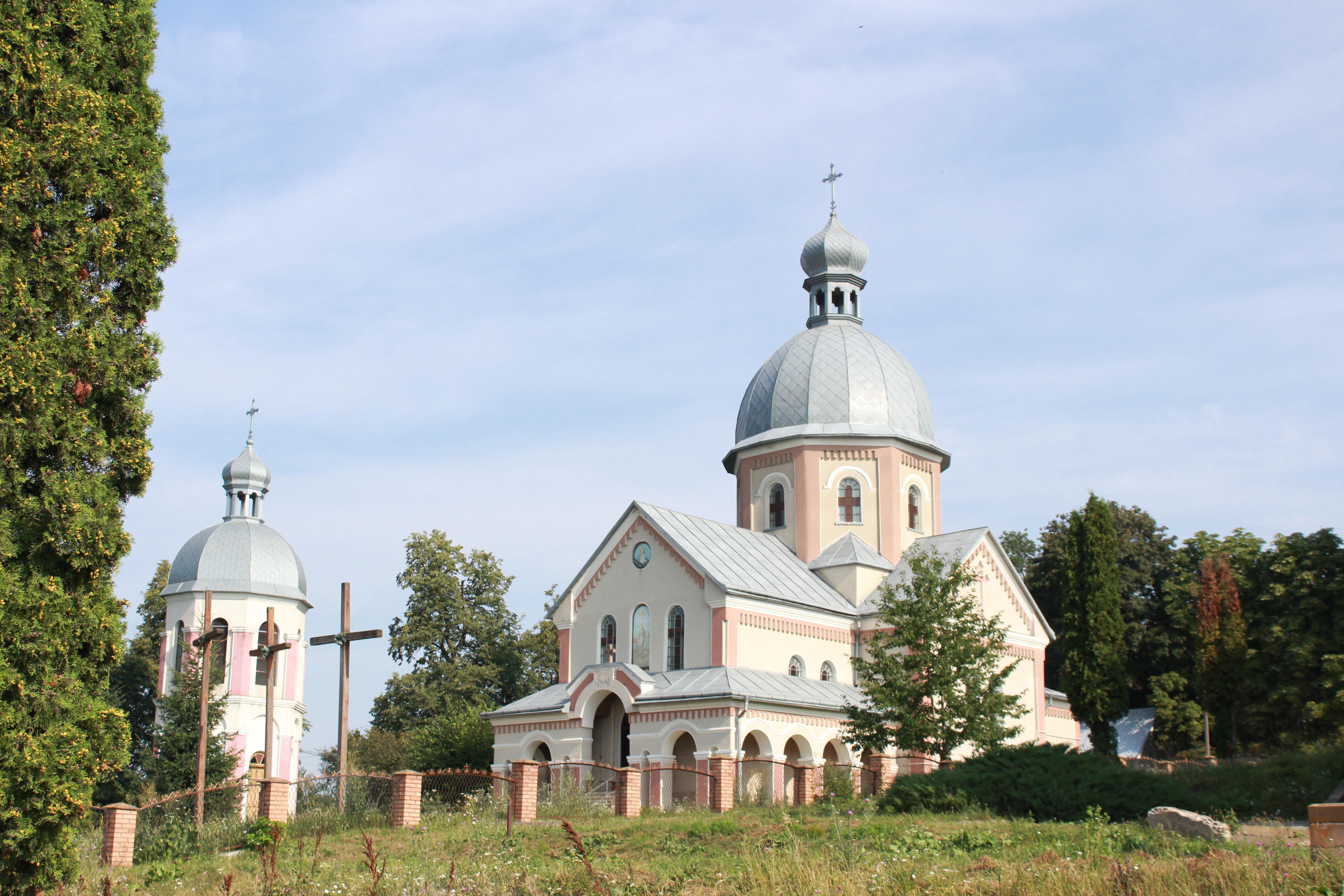 ab9457a9c8d06e У 1988 році першу літургію відправили священики Михайло Левкович та Богдан  Єдинак з собором священиків Чортківського благочиння.