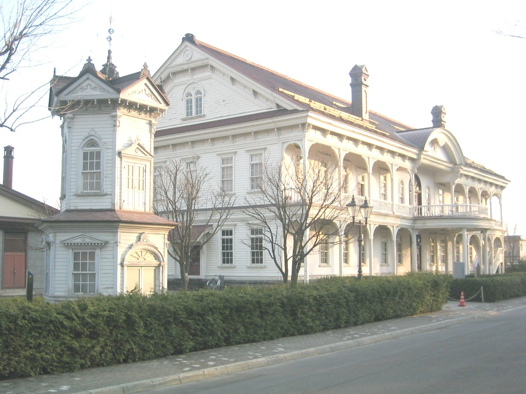 File:六角堂と旭川市彫刻美術館.jpg - Wikimedia Commons
