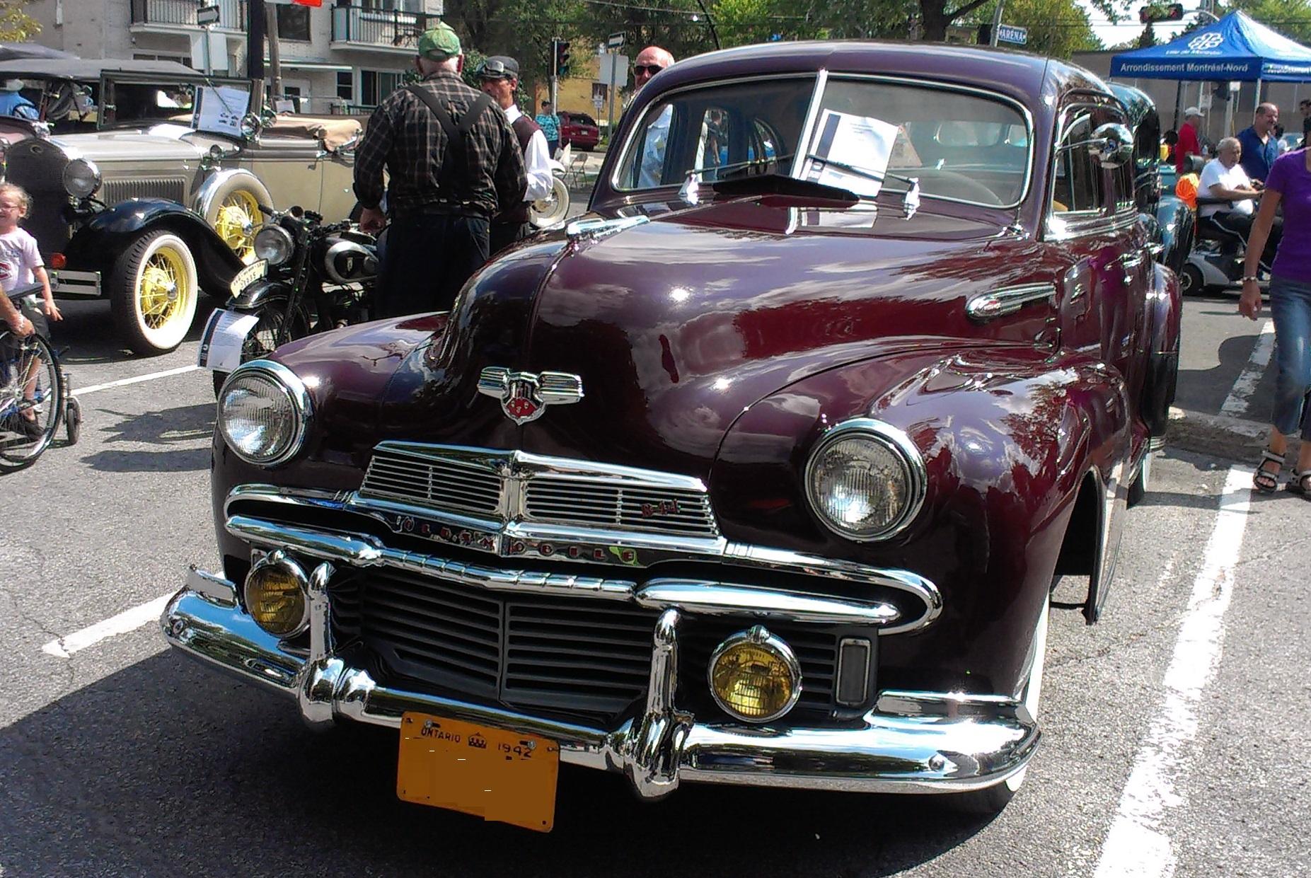 '42_Oldsmobile_(Expo_VAQ_des_100_ans_de_