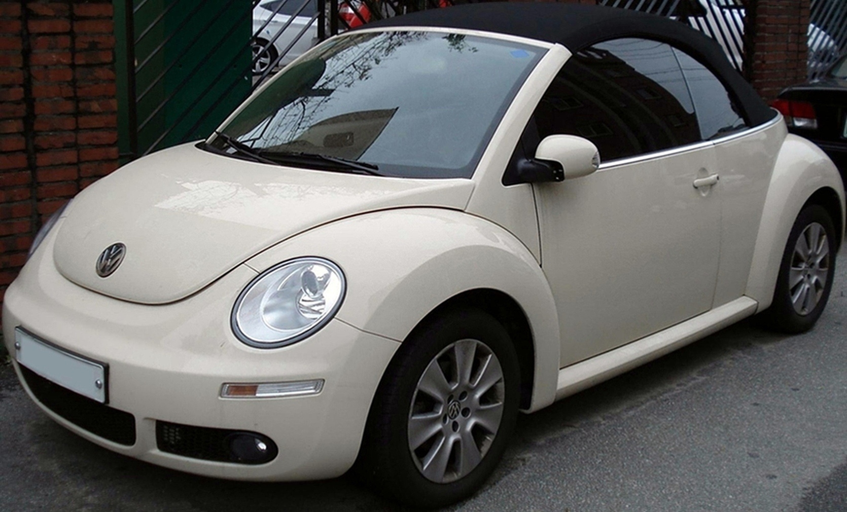 file 20100922 volkswagen new beetle cabriolet wikimedia commons. Black Bedroom Furniture Sets. Home Design Ideas