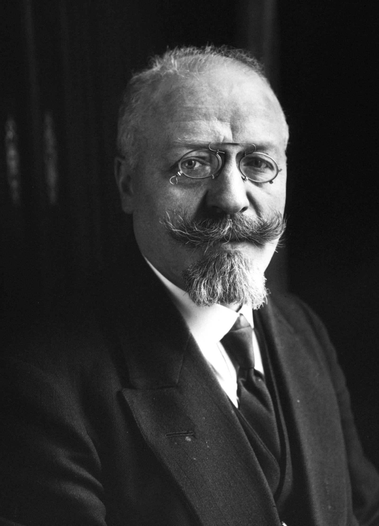 File:Adéodat Compère-Morel 1914.jpg