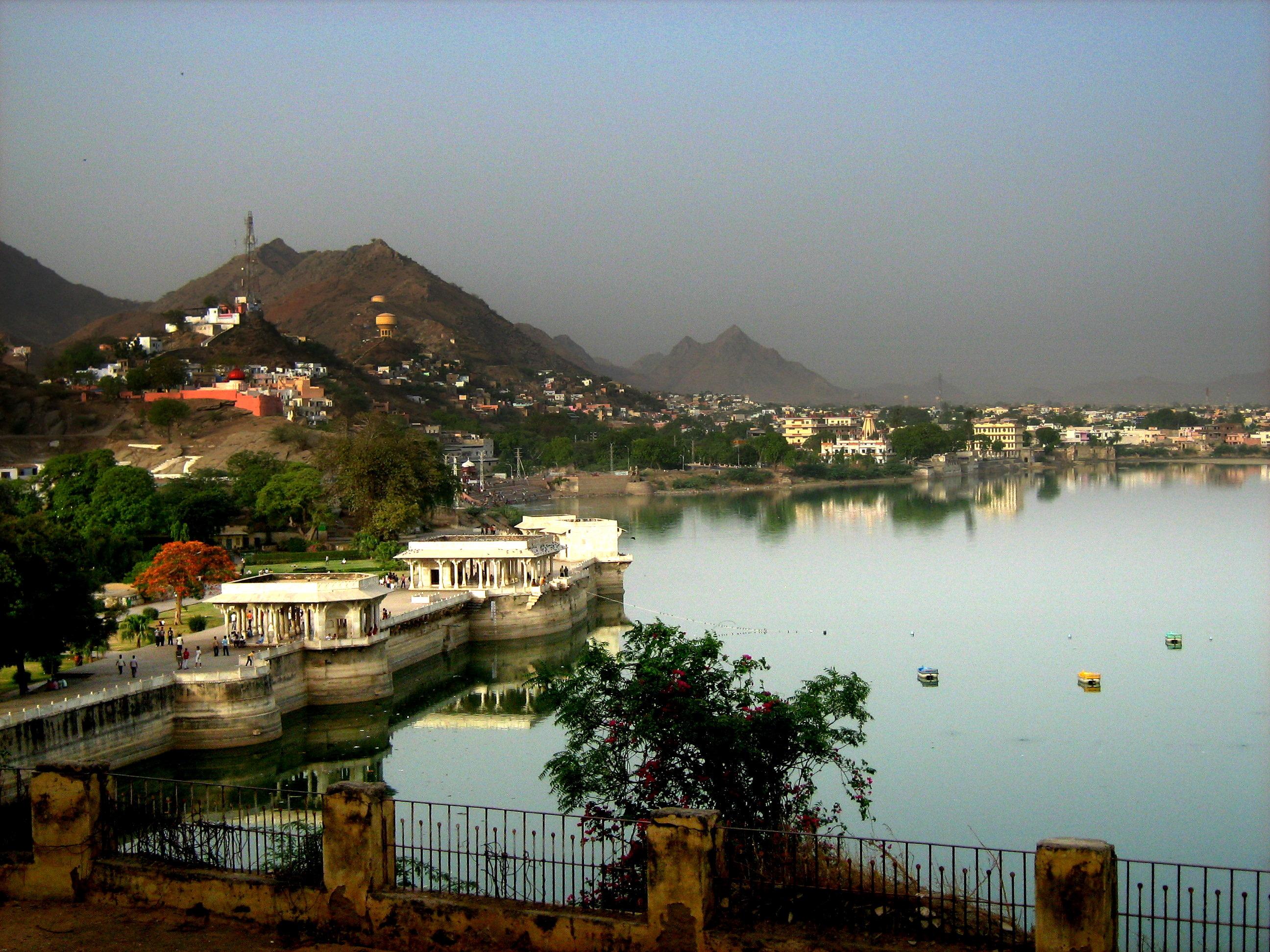 Ajmer Ana Sagar Lake